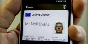 Patente digitale, nel Regno Unito la patente auto sullo smartphone