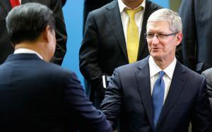 Apple, Tim Cook entro maggio andrà in Cina per un incontro con il Governo
