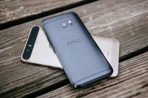 HTC, rilasciato in Italia l'aggiornamento ad Android 7.0 Nougat per HTC 10