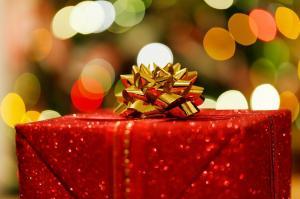 Sotto l'albero di Natale, il nuovo iPhone 11 con Apple arcade