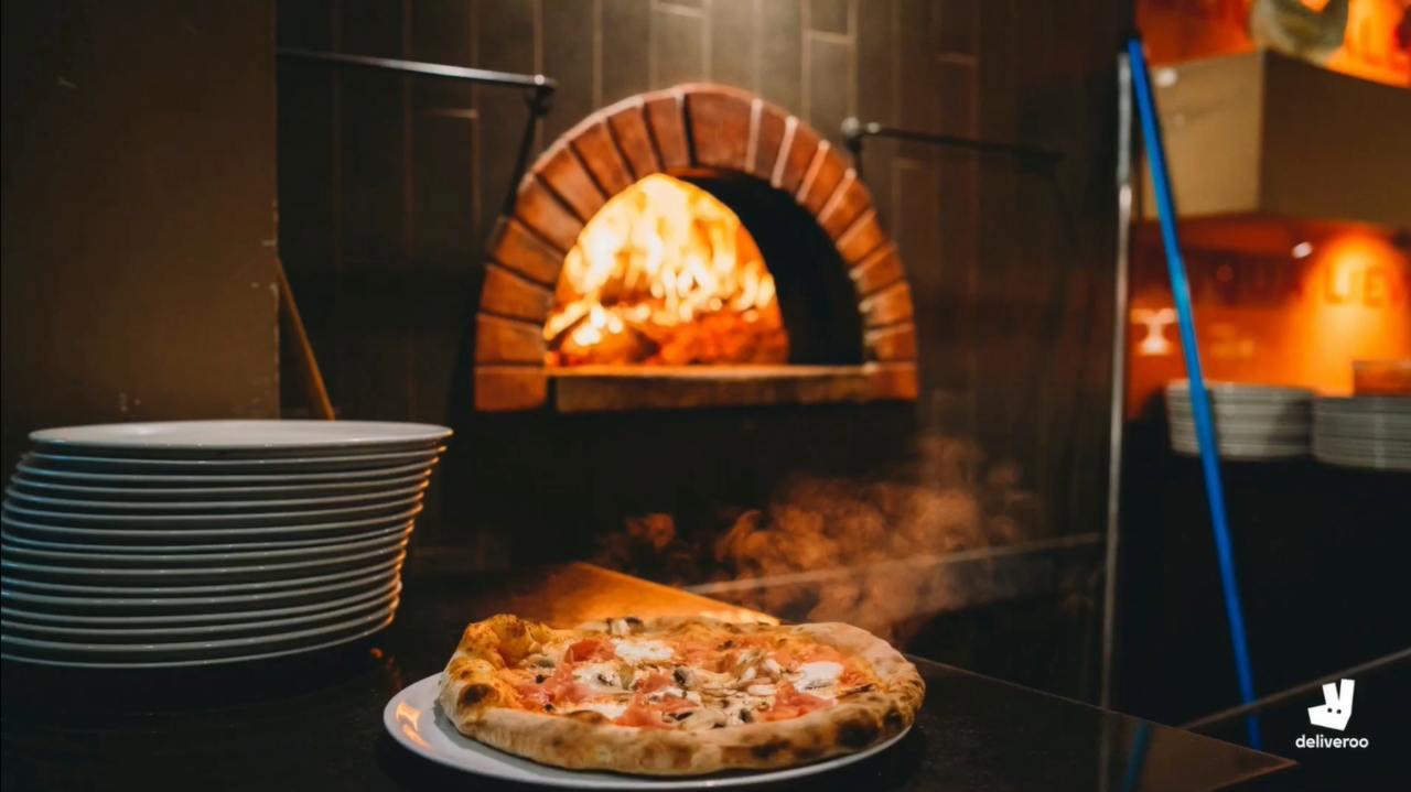 Deliveroo pizzeria