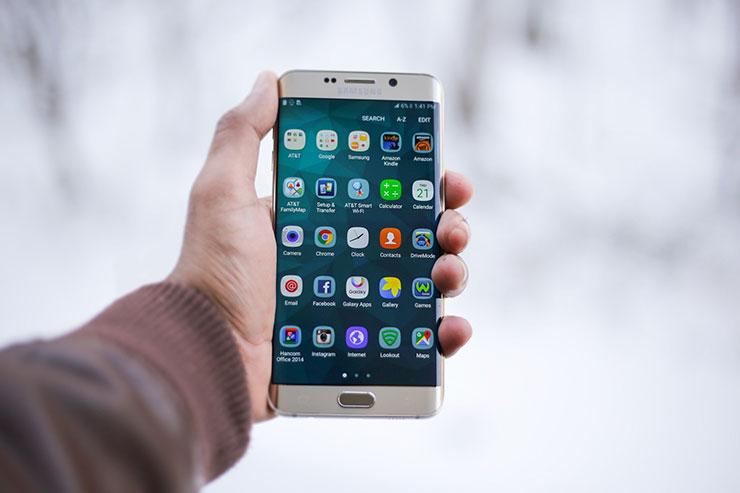 smartphone Samsung senza caricatore