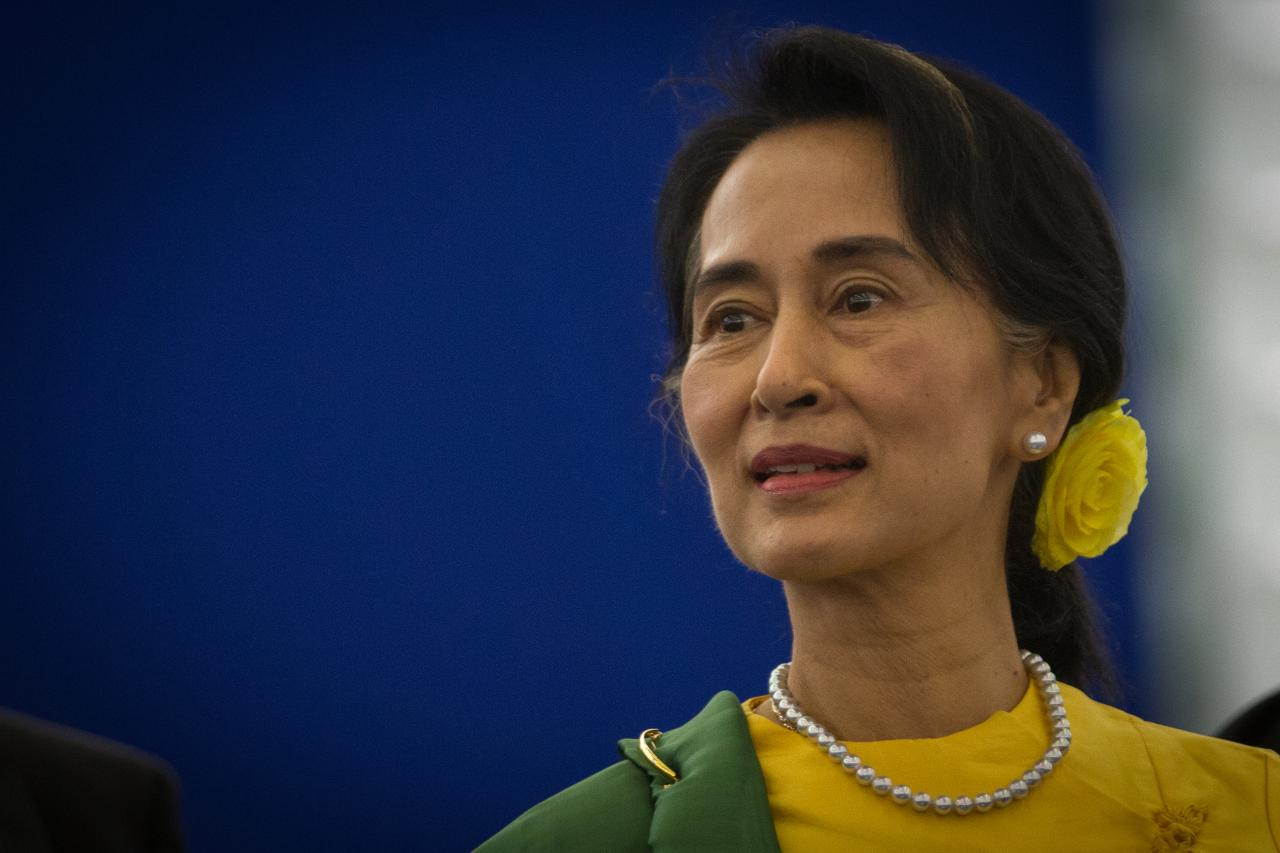 Myanmar chiuso Facebook Aung San Suu Kyi