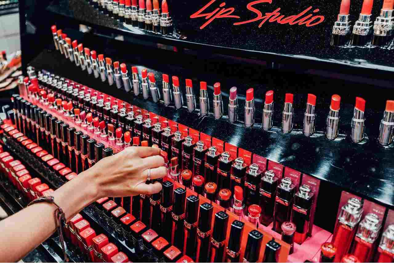 Chanel - Oltre 400 sfumature di rossetto (Adobe Stock)