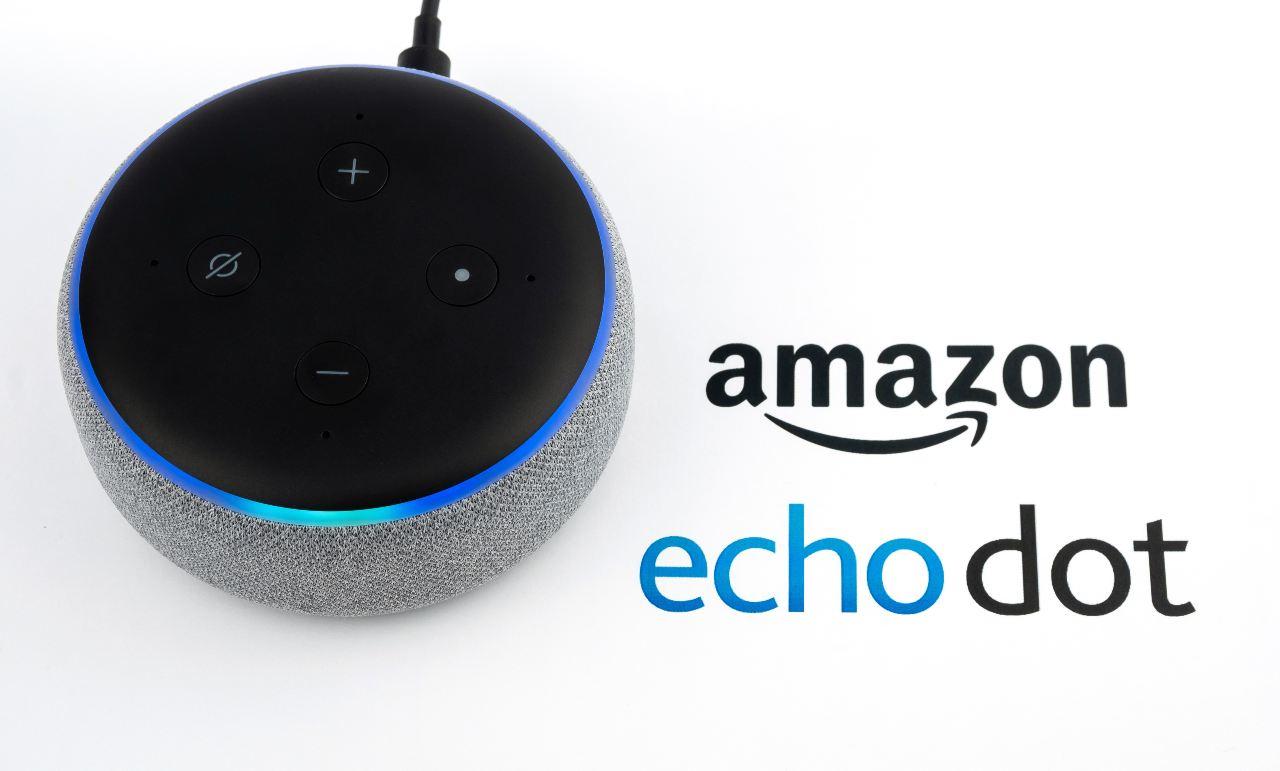 Echo Dot (Adobe Stock)
