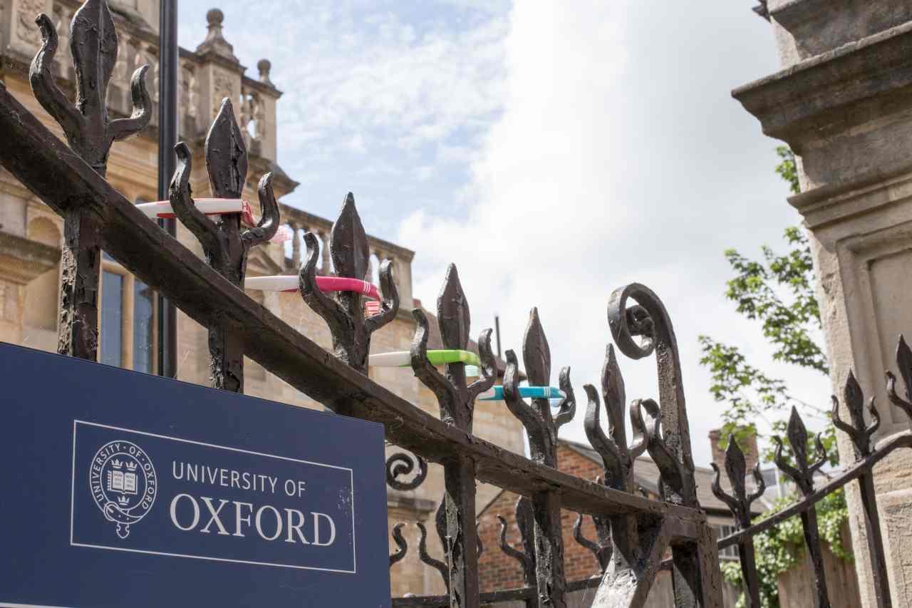 Oxford attacco hacker