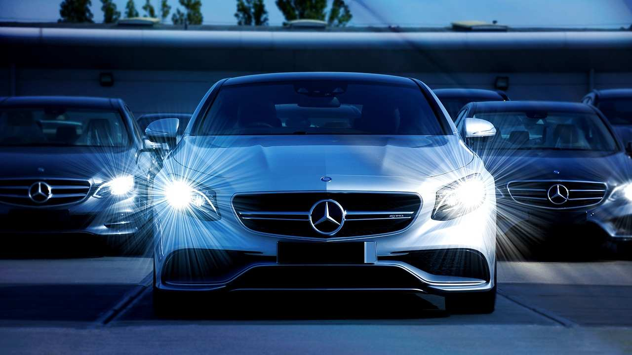 Mercedes-benz auto