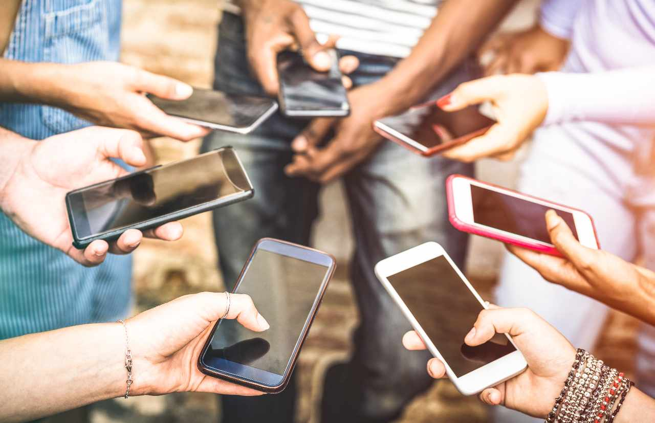 Rete mobile nel mondo (Adobe Stock)