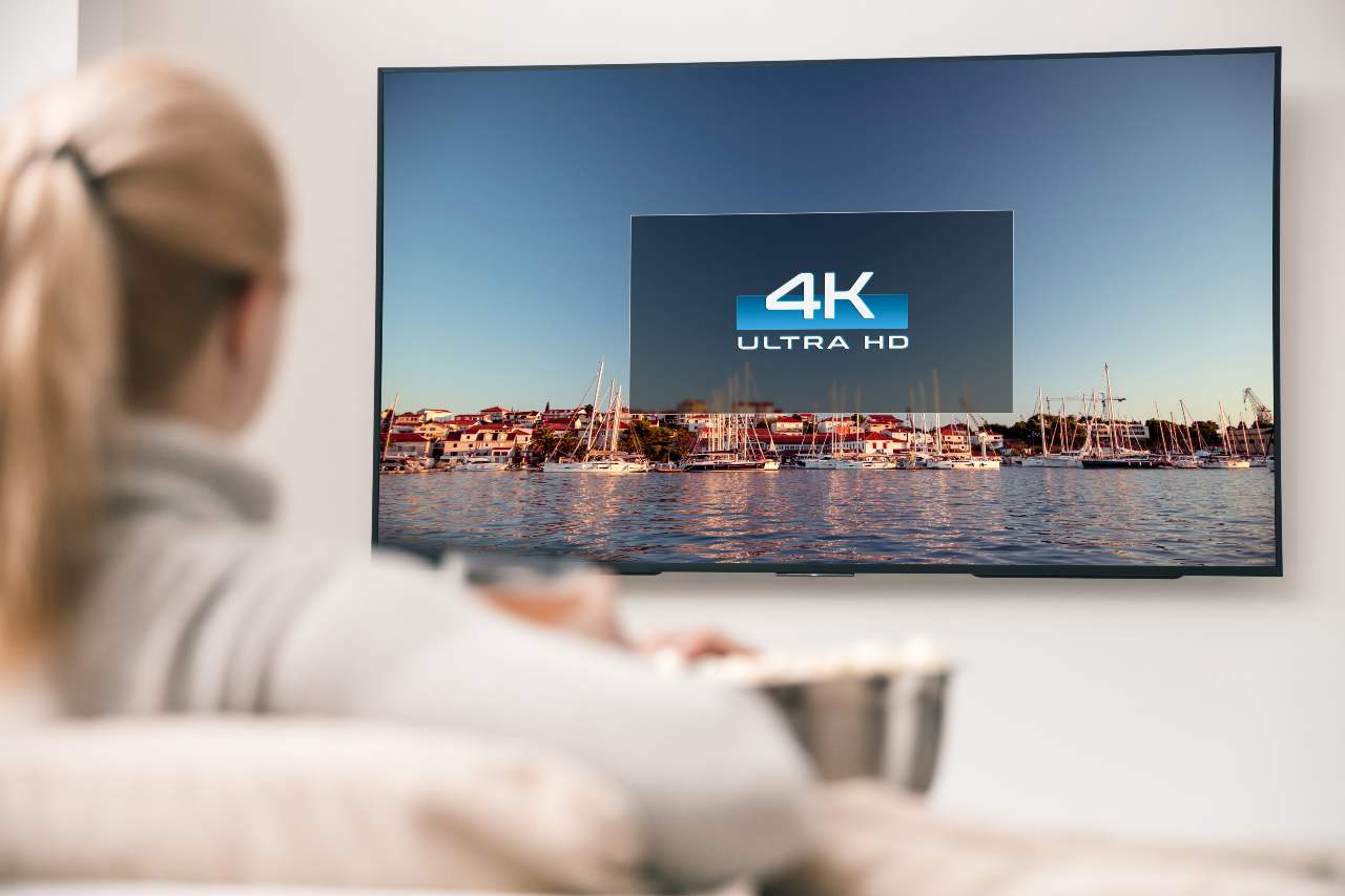 Televisore 4K (Adobe Stock)