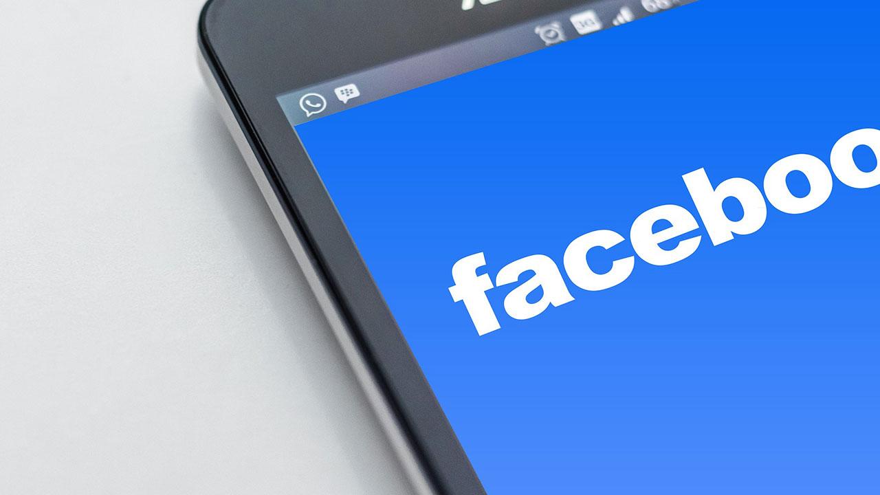 Mark Zuckerberg abbandona Facebook