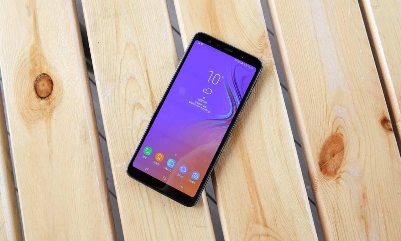 Samsung interrompe aggiornamenti su 4 smartphone