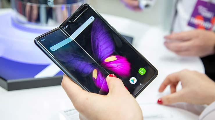 Galaxy Z Fold 3 smartphone pieghevoli Samsung 2021