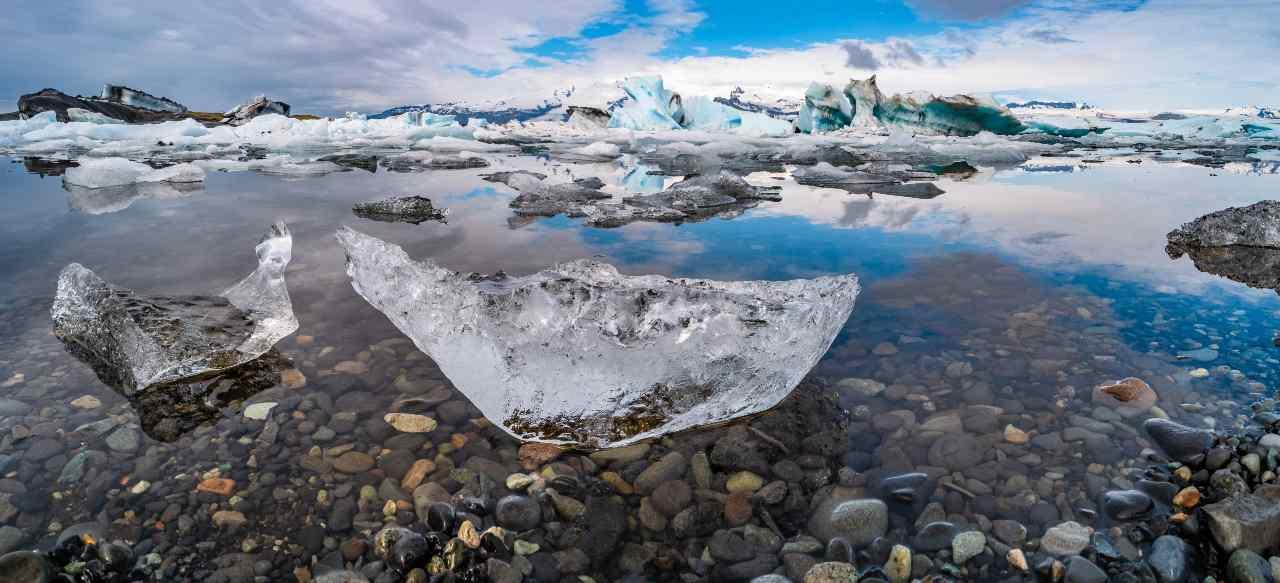 Calotta polare, ghiacci in scioglimento (Adobe Stock)
