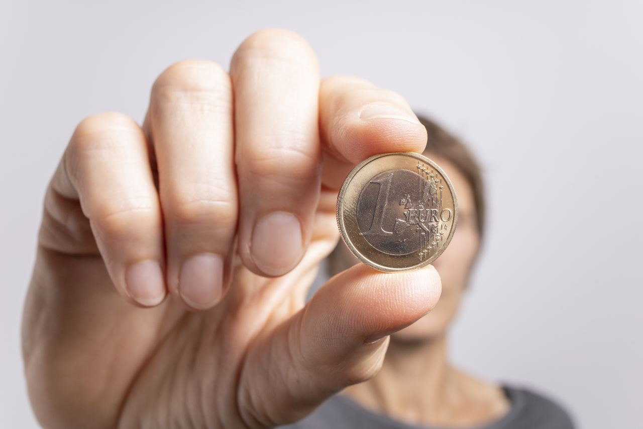 Moneta da 1 euro (Adobe Stock)