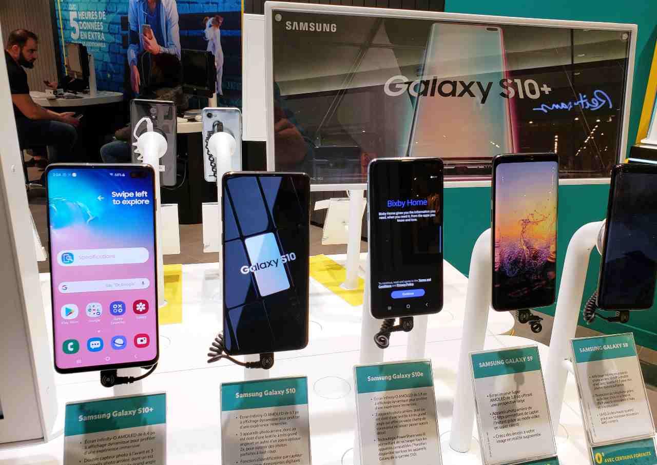 Samsung Galaxy S10 (Adobe Stock)