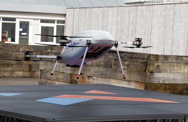 Samsung drone sulla piattaforma di decollo