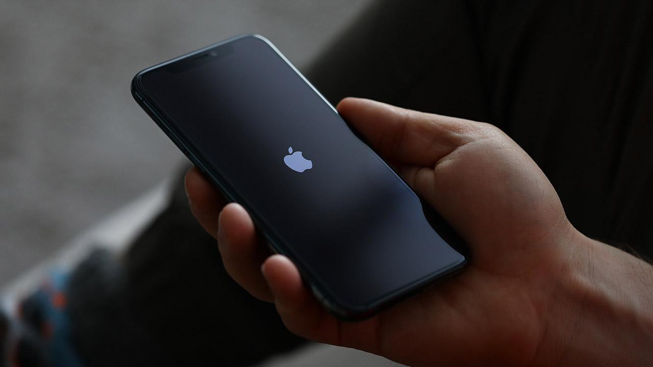 iPhone 13 display 120Hz