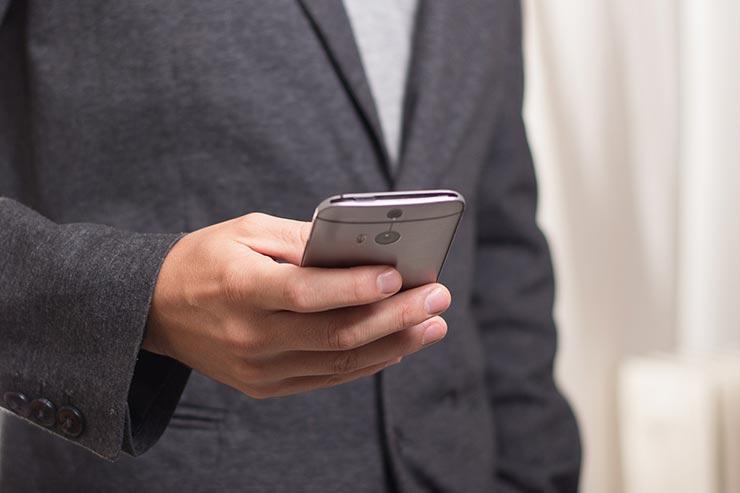 ore uso smartphone