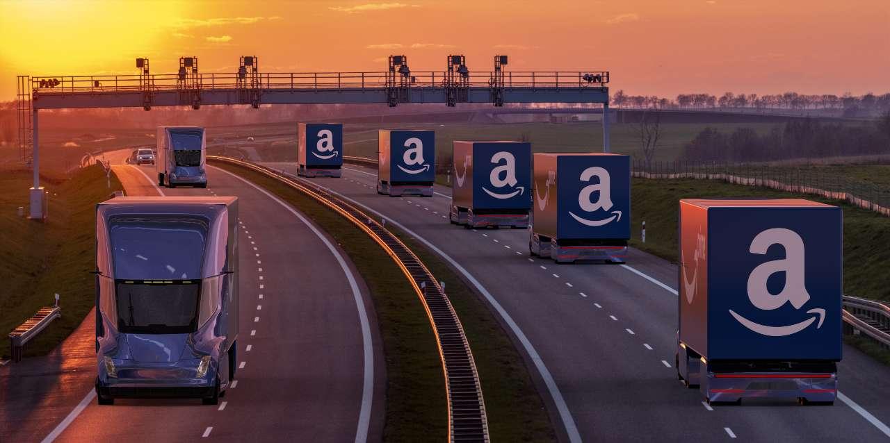 Amazon Trucks (Adobe Stock)