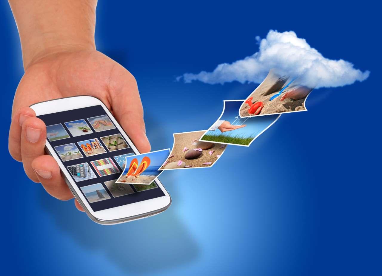 Gallery foto cellulare (Adobe Stock)