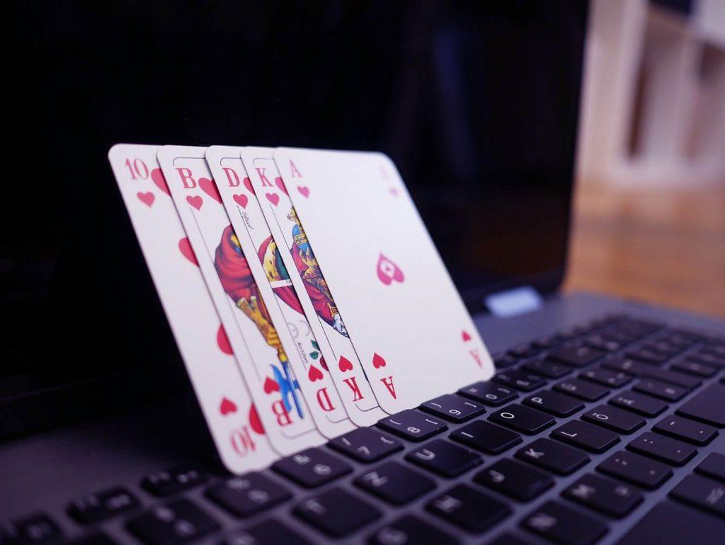 Gioco d'azzardo online poker