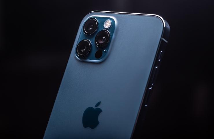 iOS Sicurezza iPhone 12 (Adobe Stock)