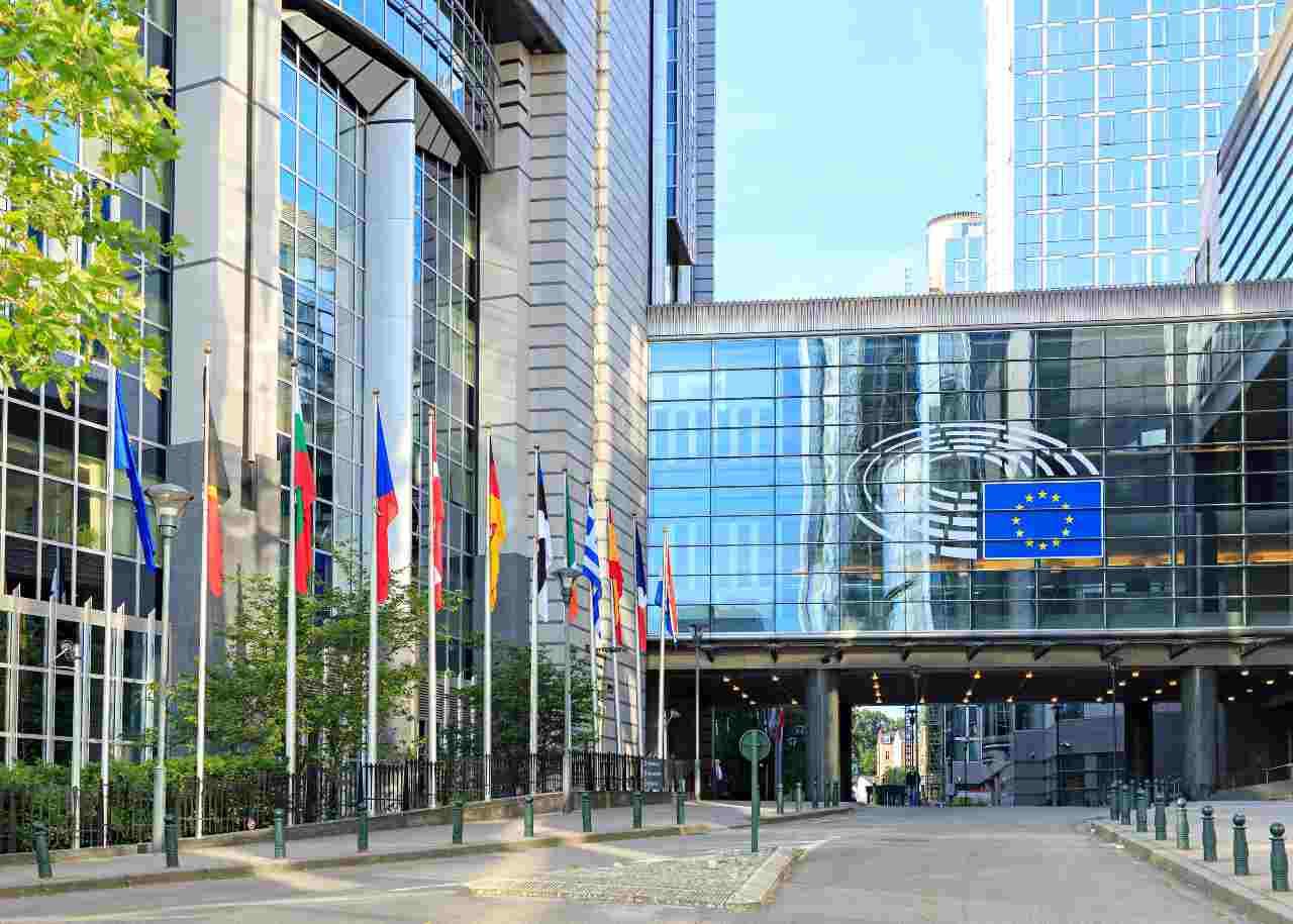 Parlamento Europeo, lotta contro la pirateria (Adobe Stock)