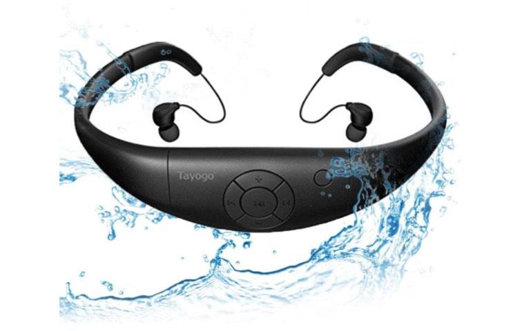 ascoltare musica nuota