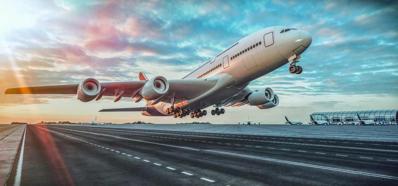 Viaggi, l'app per volare: è Iata Travel pass (Adobe Stock)