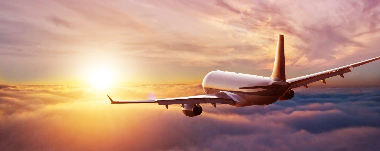 Viaggi, come tornare a volare in sicurezza (Adobe Stock)