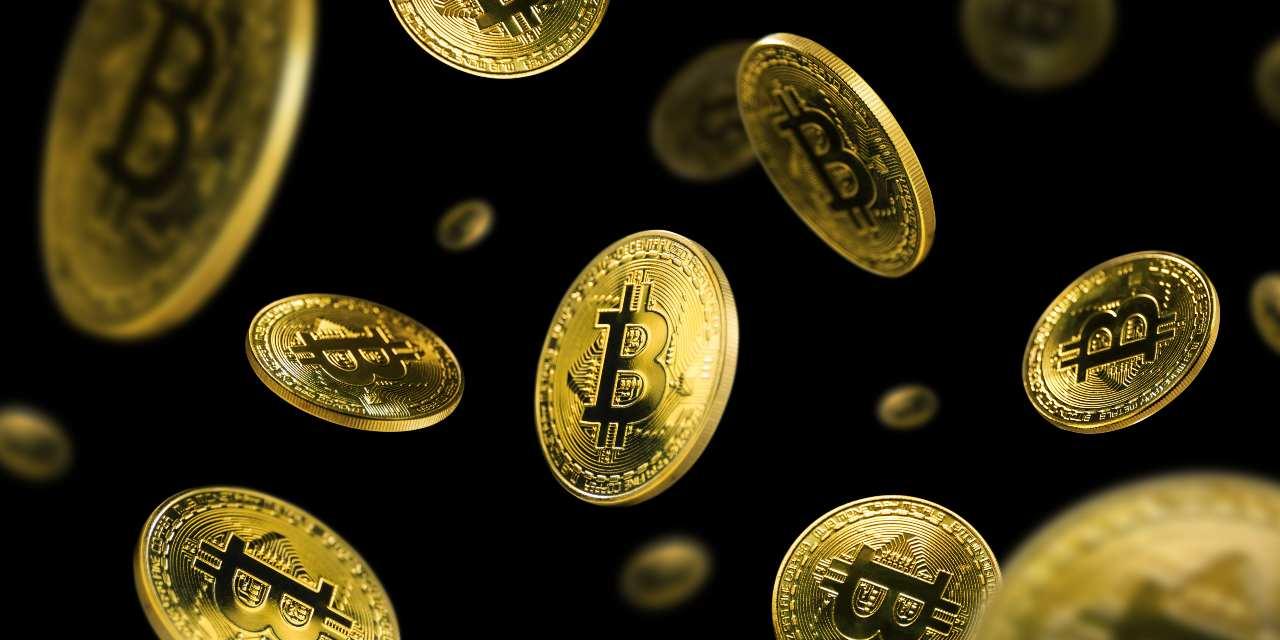 Bitcoin, la criptovaluta più importante (Adobe Stock)