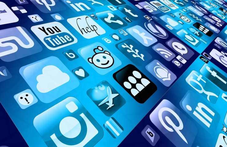 dipendenza da social (pixabay.com) I