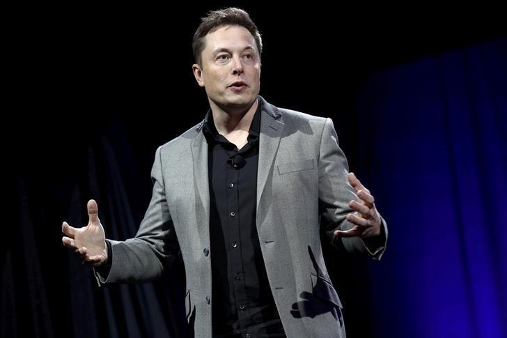 Elon Musk, il j'accuse di Anonymous è virale (Reuters)