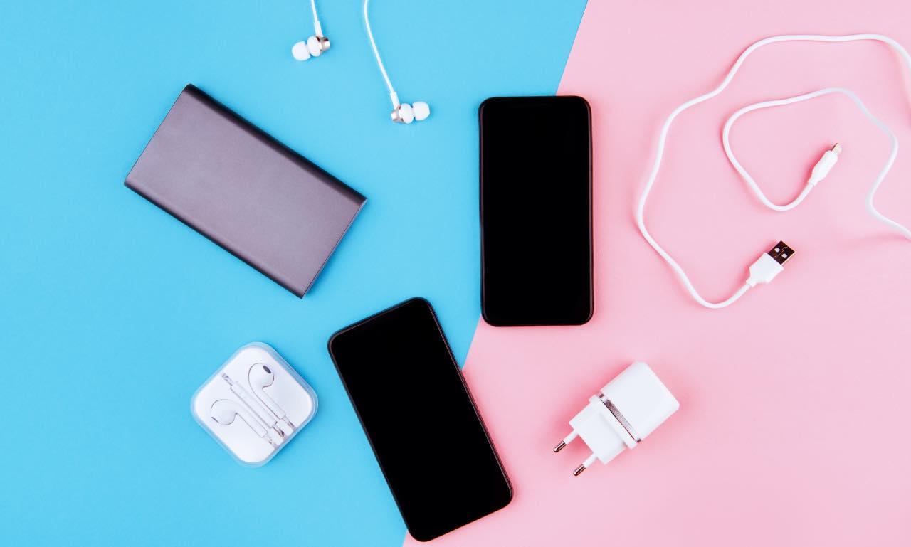 accessori smartphone contraffatti