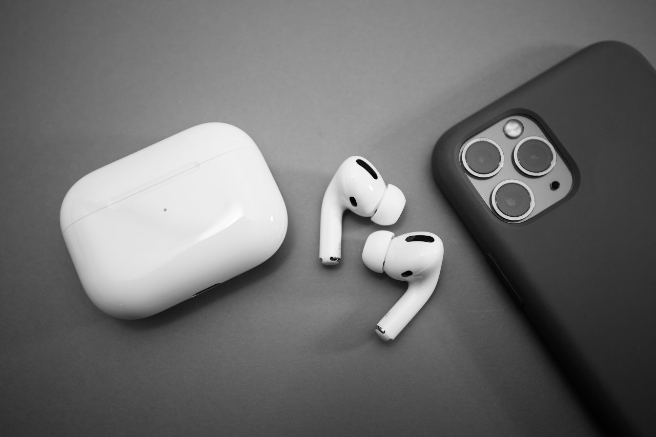 AirPods (Adobe Stock)