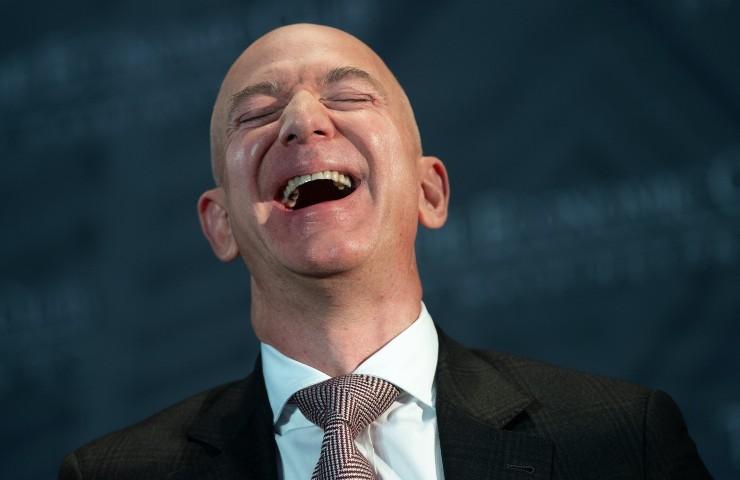 Amazon jeff bezos (images.newrepublic.com)