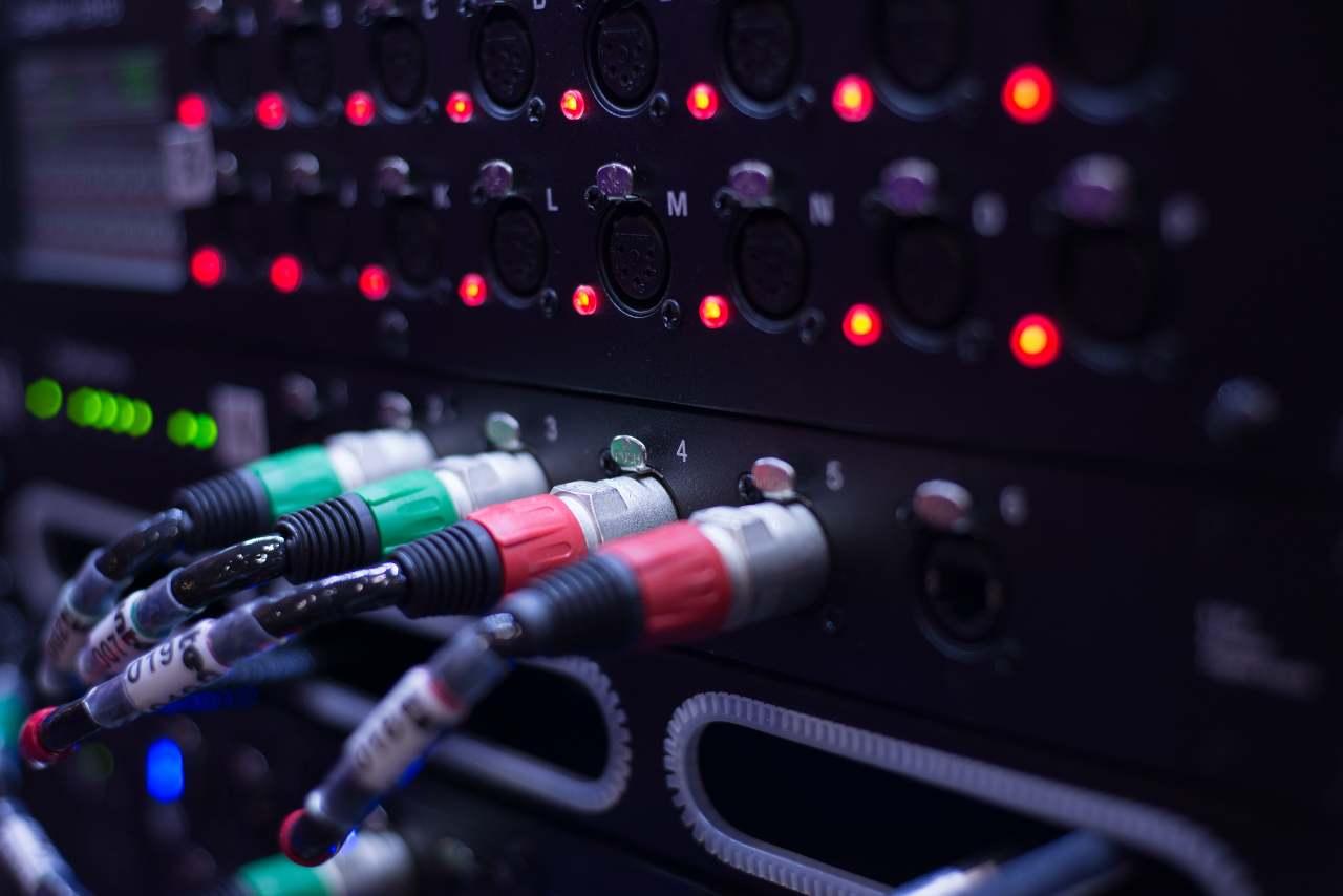 Cavi audio (Adobe Stock)