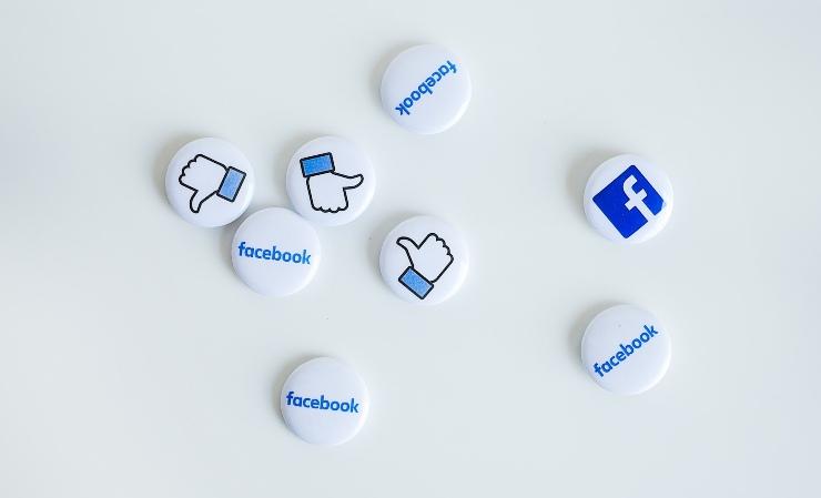 Facebook violazione privacy