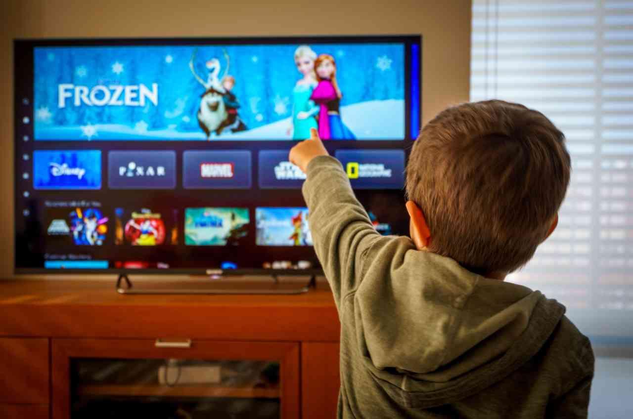 Disney+, l'avvento di Star cambia il Parental Control (Adobe Stock)