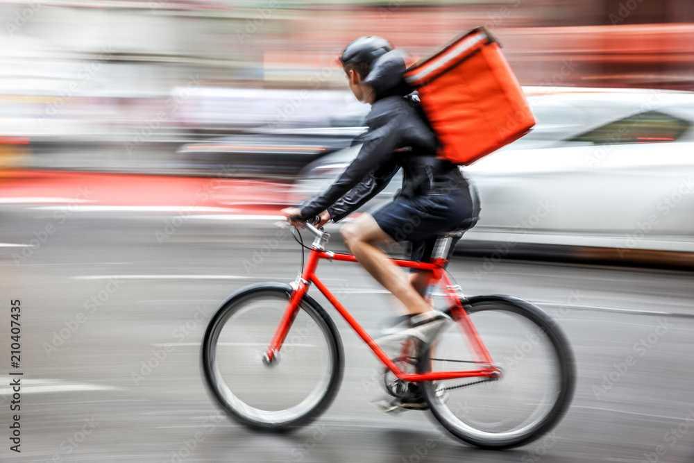 I rider, l'arma segreta dei fast Delivery (Adobe Stock)