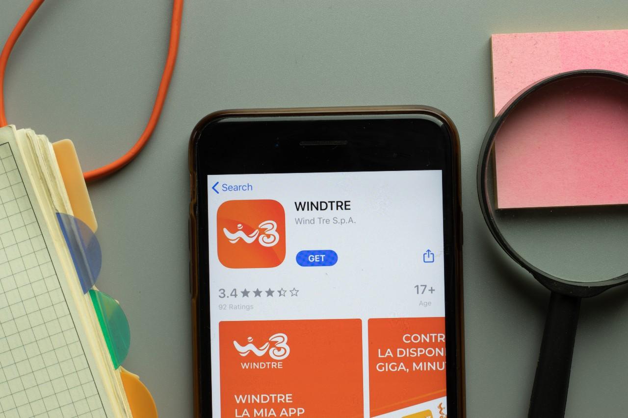 WindTre, tripla l'offerta triplo il risparmio (Adobe Stock)
