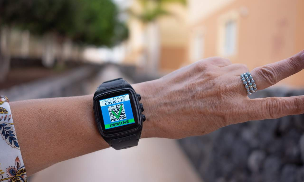 green pass apple watch
