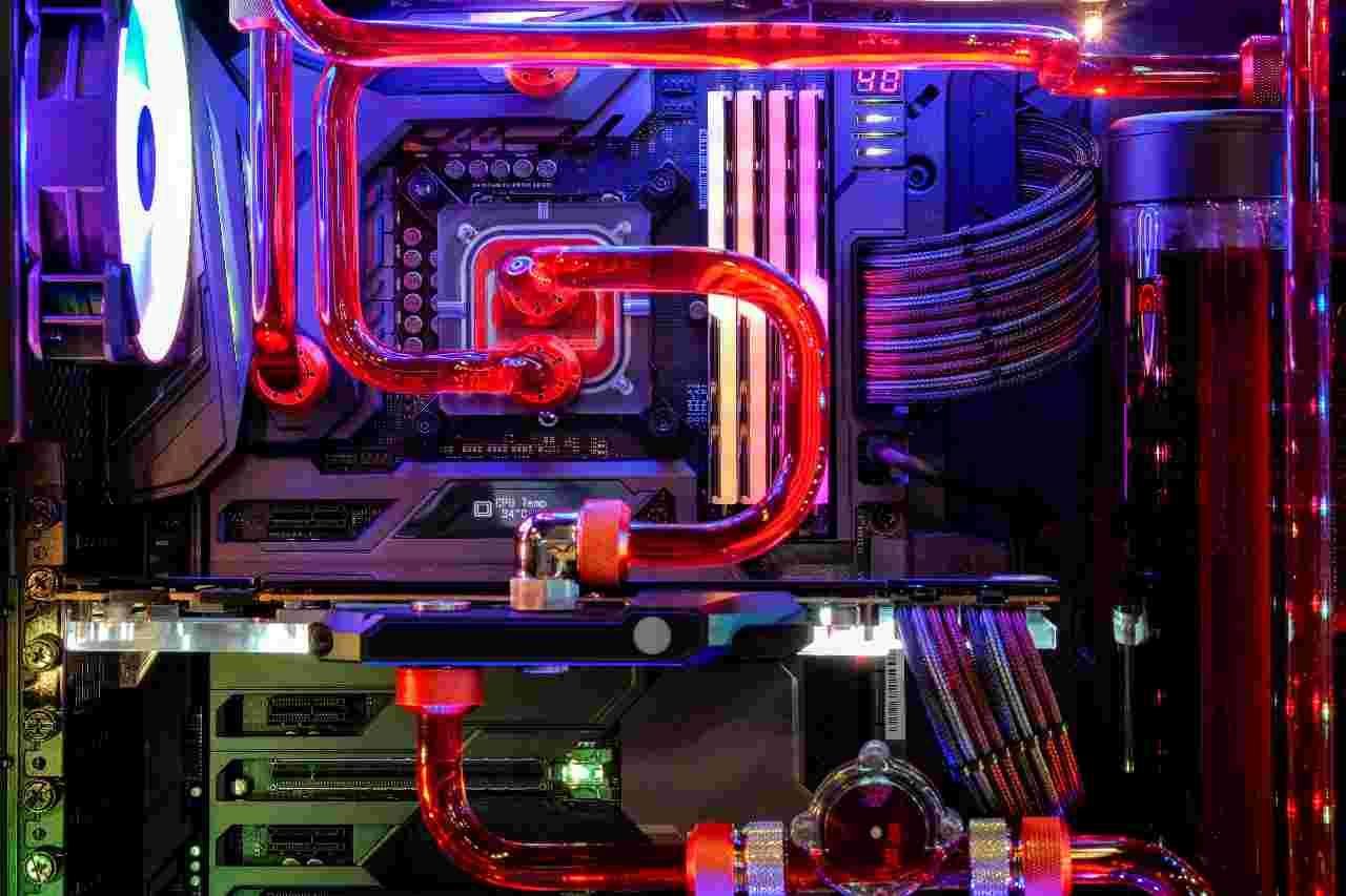 Circuito di raffreddamento per PC (Adobe Stock)