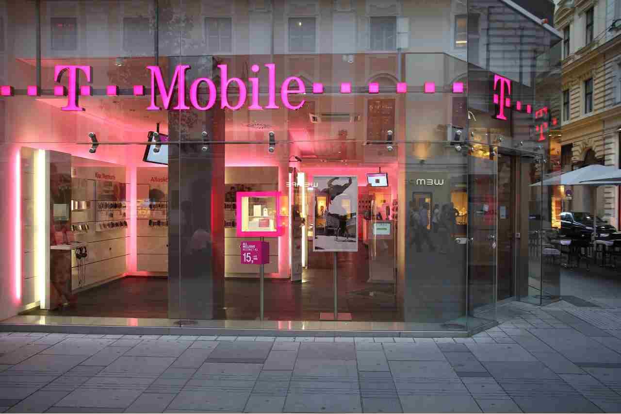 T-Mobile, oltre 850.000 clienti sono stati vittime della violazione di dati (Adobe Stock)
