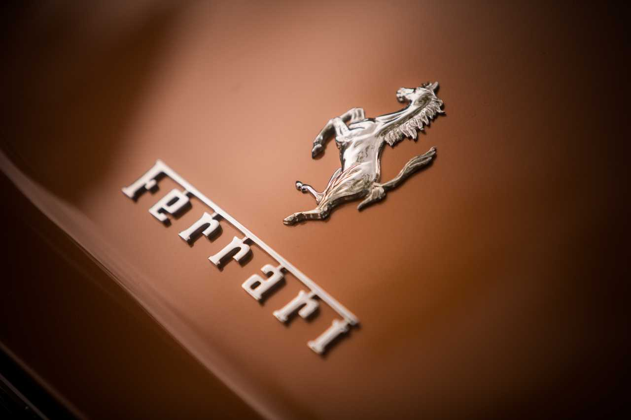John Ive, da Apple a Ferrari a passo veloce (Adobe Stock)