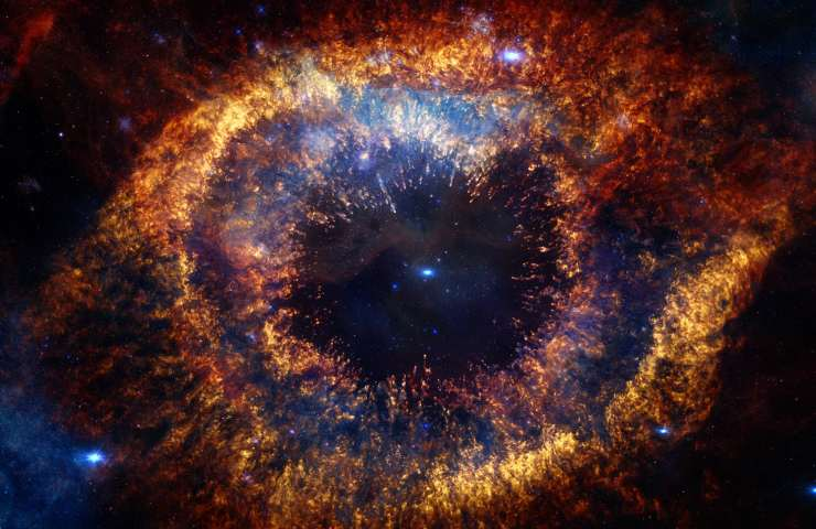 La Nebulosa Elica, nella costellazione dell'Acquario, detta l'Occhio di Dio (Adobe Stock)