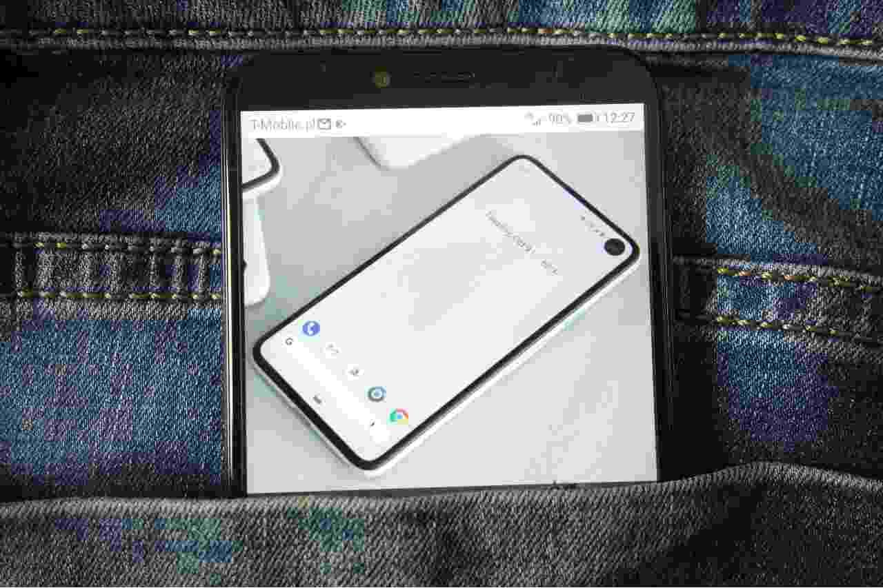 NitroPhone, il telefono più sicuro al mondo (Adobe Stock)