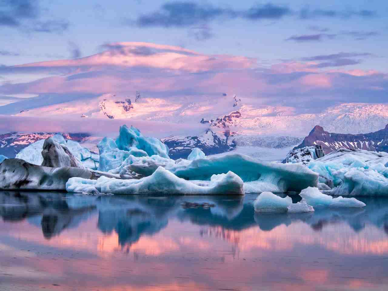 Paesaggio islandese (Adobe Stock)