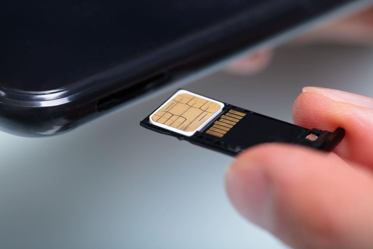 La prima SIM card nel 1991, nata da Giesecke+Devrient (Adobe Stock)