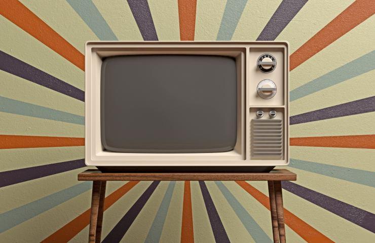 Vintage TV (Adobe Stock)